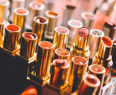 上海清关公司进口化妆品备案需要哪些资料
